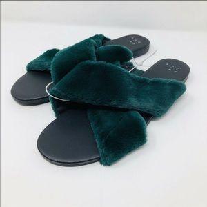 Furry green slides - no tags